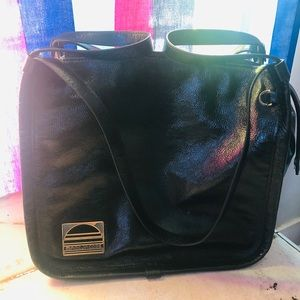 Marc Jacobs Bags - Marc Jacobs black leather sports tote